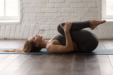 knees to chest stretch