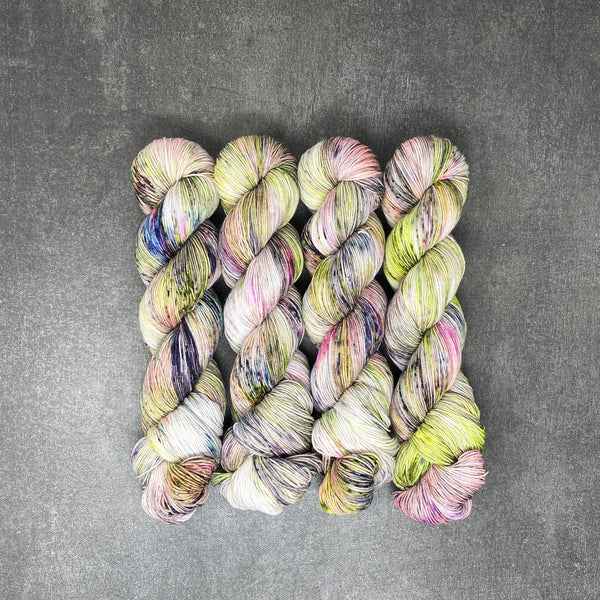 Astral Admirer - Traveling Yarn