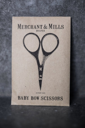 Baby Bow Scissors - Traveling Yarn