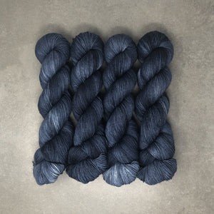 Nightfall - Traveling Yarn