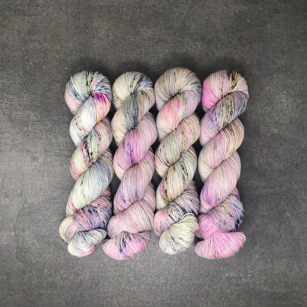Wisteria - Traveling Yarn