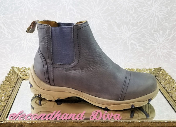 Warmbat blue leather Chelsea boots