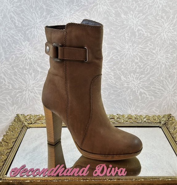 le Chateau brown leather mid calf booties