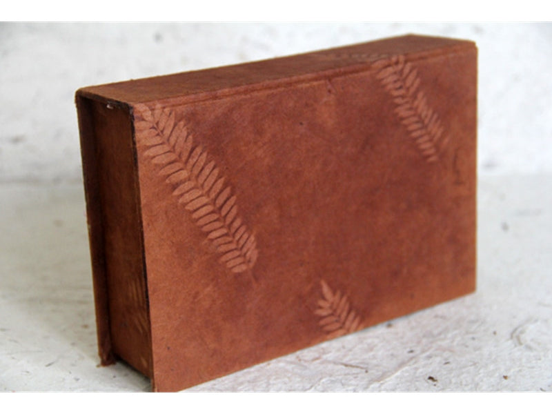 Monk Paper Veg Dyed Fern Leaf Cutch Boxed Lokta Notelet Set