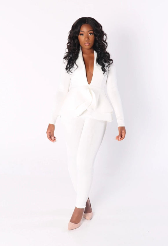 LOVE IS BLIND Tulip Jacket & Pant Suit in White