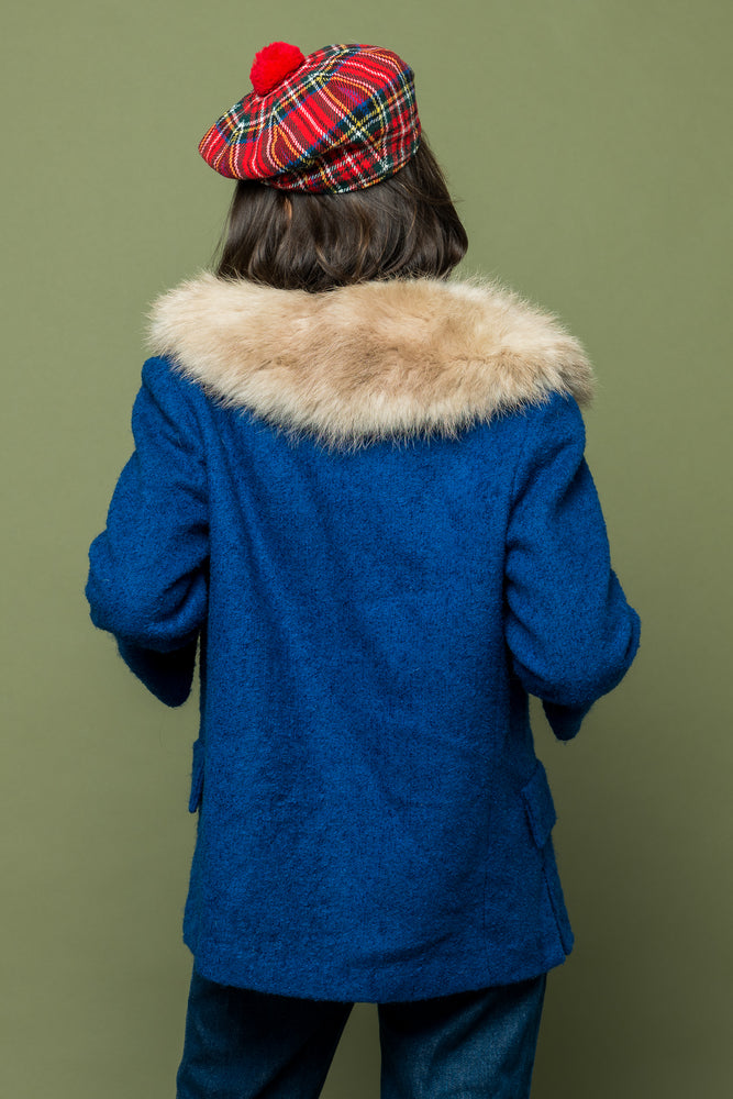Load image into Gallery viewer, Lady Blue Vintage Fur Jacket - Loversvintage