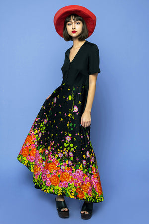 Load image into Gallery viewer, Vintage Floral Explosion Maxi Dress - Loversvintage