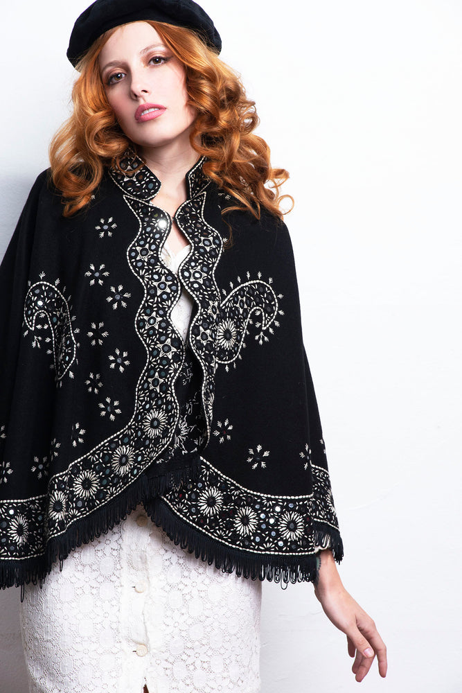 Vintage Poncho Embroidery - Lovers Vintage