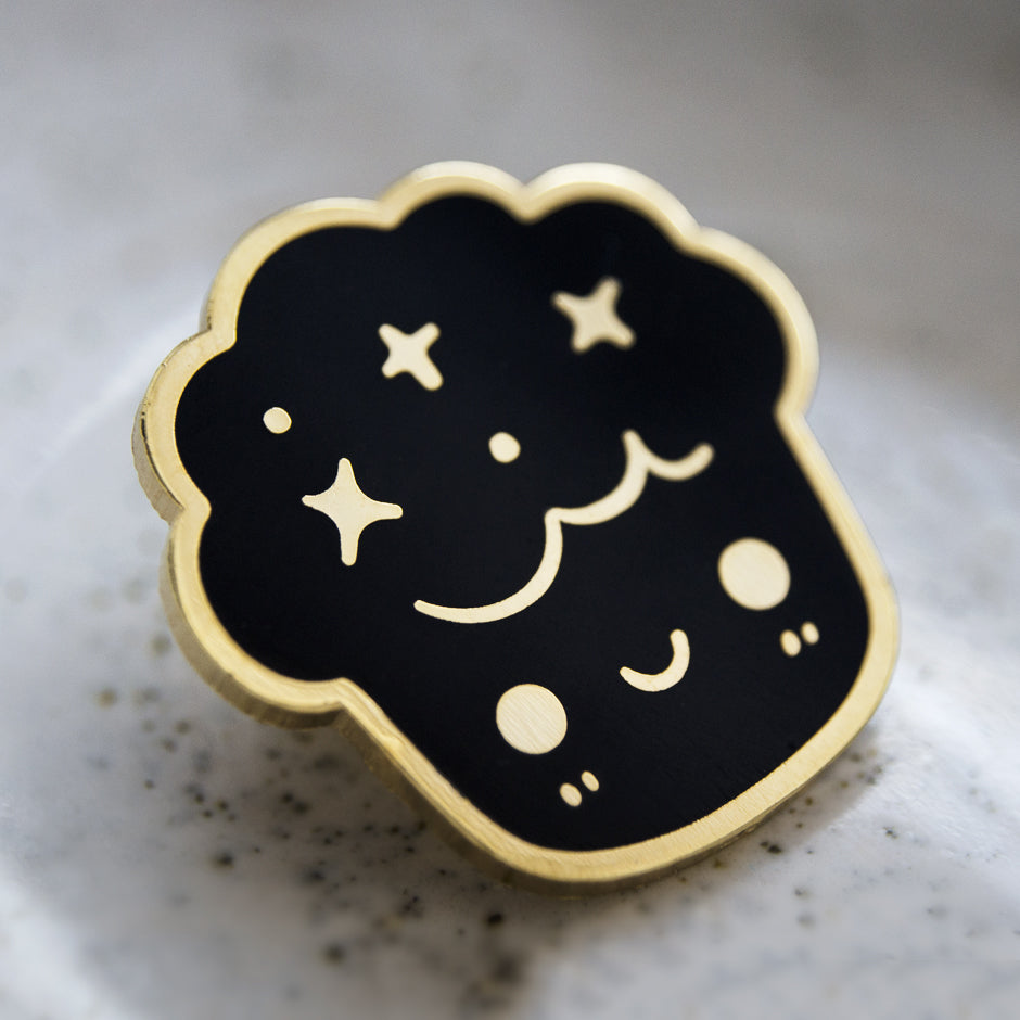 Muffin Enamel Pin
