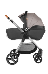 Greet Hard base carrycot
