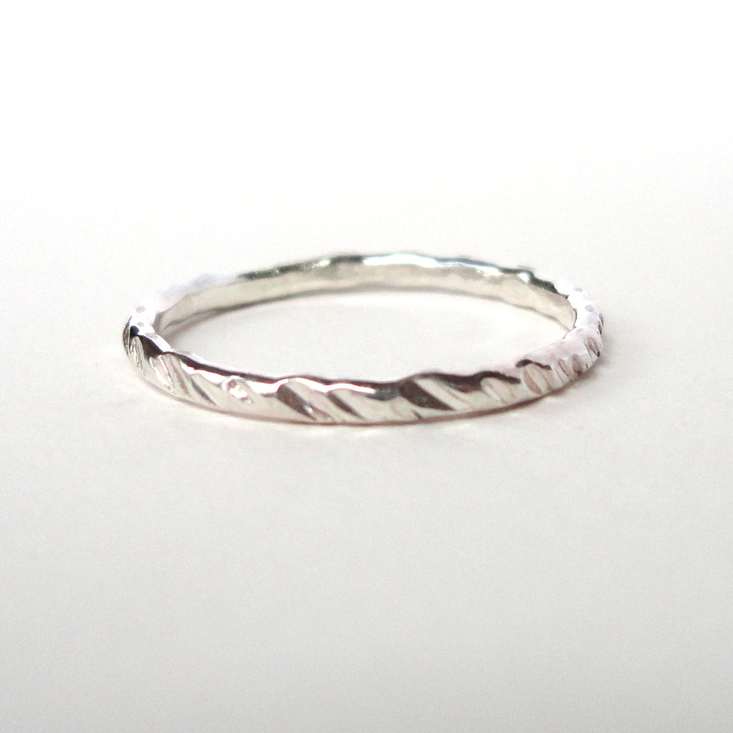 Line Texture Stacking Ring