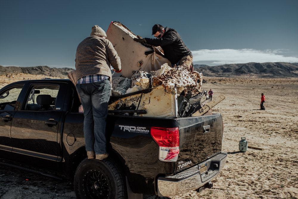 blmland-cleanup-adventure-joshuatree-overlander-shutdown