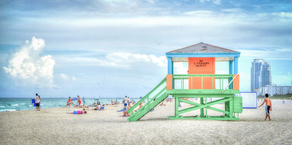 A lifeguard lookout on Miami's famous South Beach, FL | © Mariamichelle / pixabay