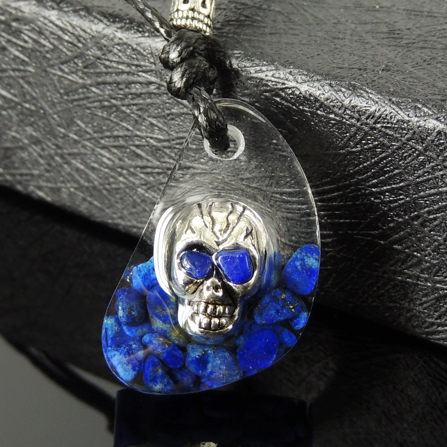 White Walker Game of Thrones The Night King Arya Handmade Polished Epoxy Resin Pendant, Adjustable Wax Rope Necklace, Embedded Zombie Skull Bead, Small Natural Lapis Lazuli Gemstone Chips, Tibetan Silver, Non-plated Genuine 925 Sterling Silver
