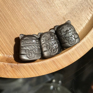 Maneki Neko Gemstone Pendants | Lucky Cat, Beckoning Cat | High Grade, Untreated Sheen Obsidian Maneki-Neko Pendant with Prominent Natural Gold/Silver Flashes | Manipura Solar Plexus Chakra Activation