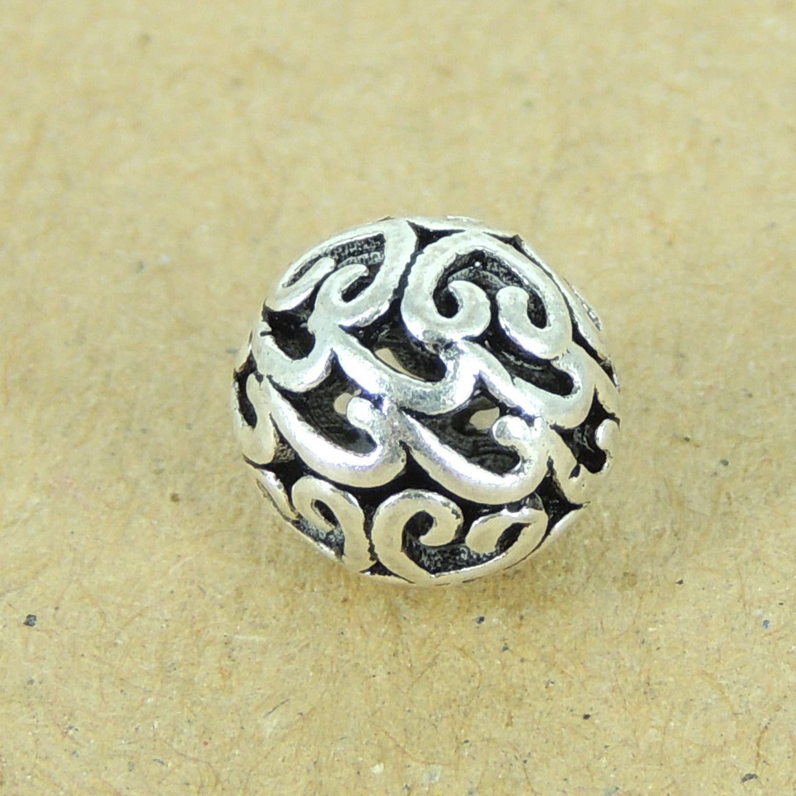 2 PCS Heart Pattern Artisan Beads - S925 Sterling Silver WSP312X2