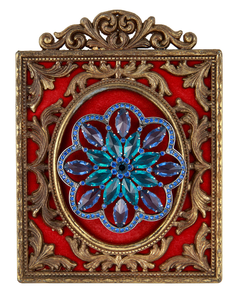 Brooch Frame Red