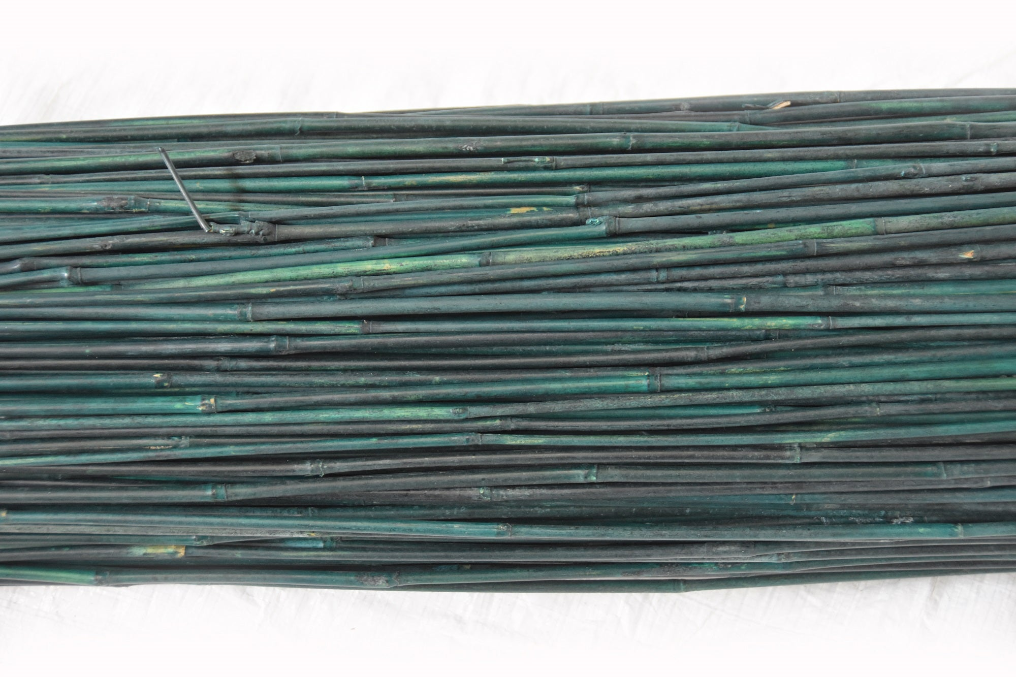 Dyed Green Bamboo Stakes 4'L x 6-8 mm - Bundle of 500 - Bamboo Toronto Store