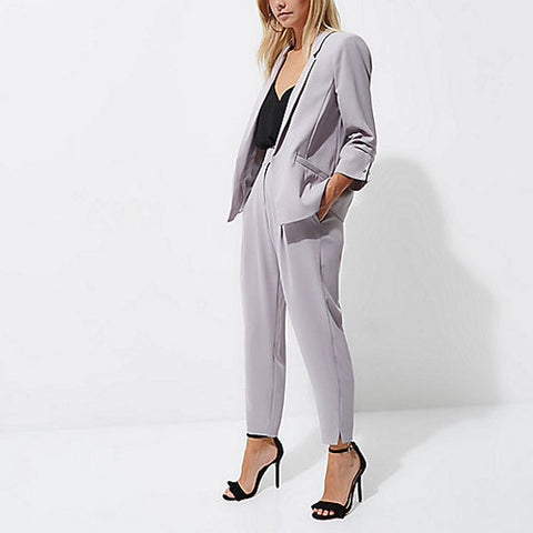 Grey oversized suit trend