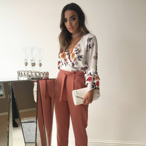 Quiz outfit - Paperbag trousers and floral top
