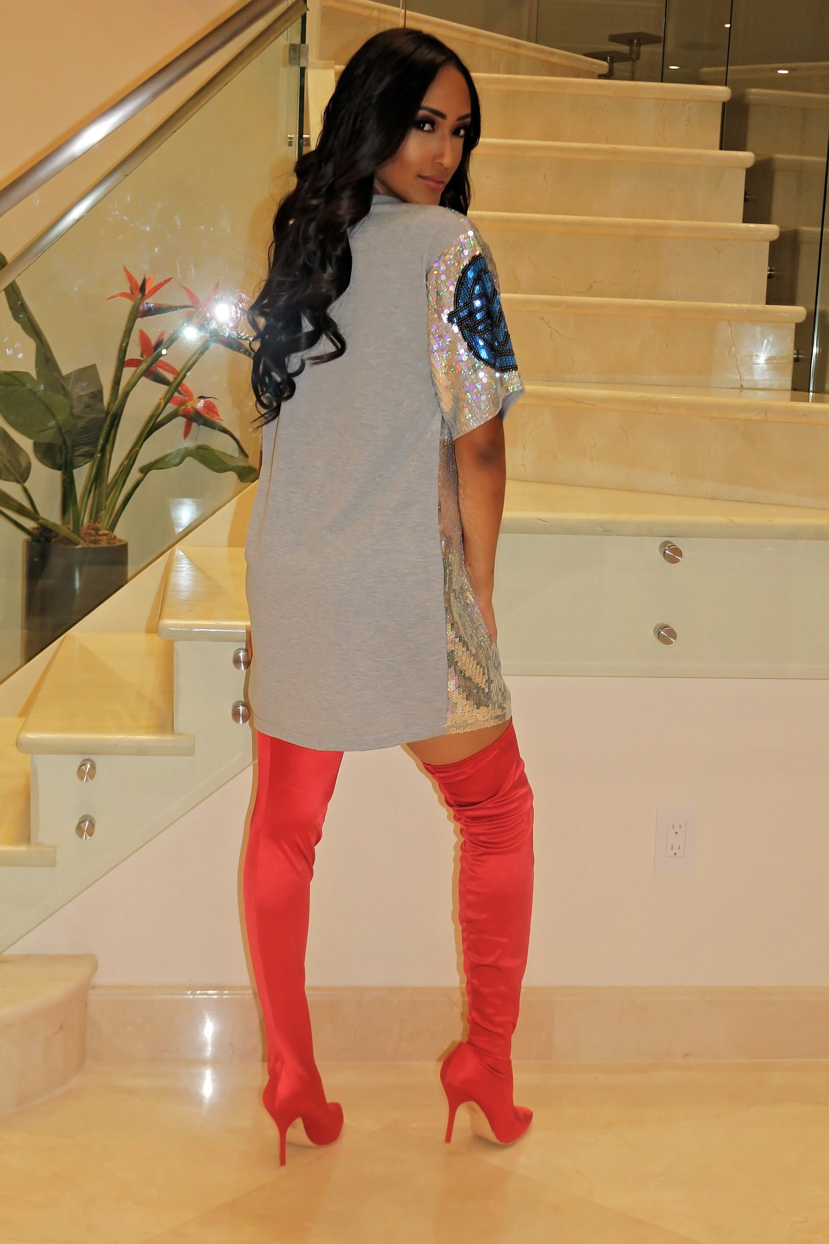 Being In Power Sequin T Dress - Sliver - Semai House Of fashion