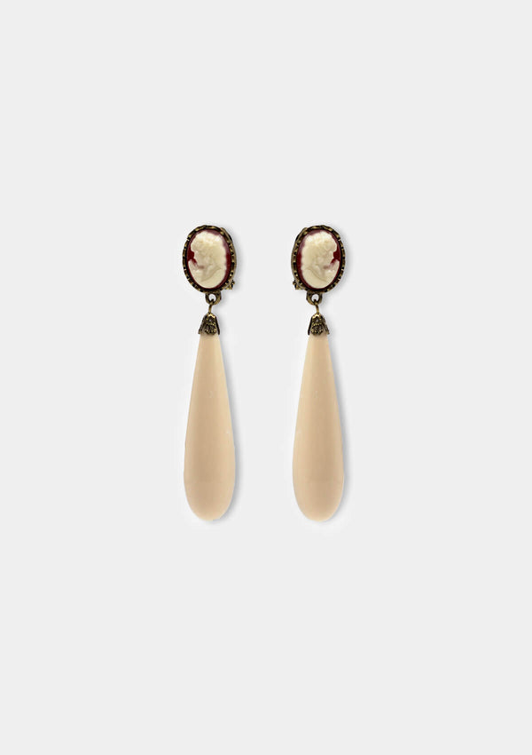 Camafeo White earring flamenco
