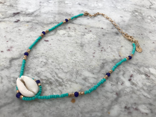 Blue Bead Single Seashell Necklace