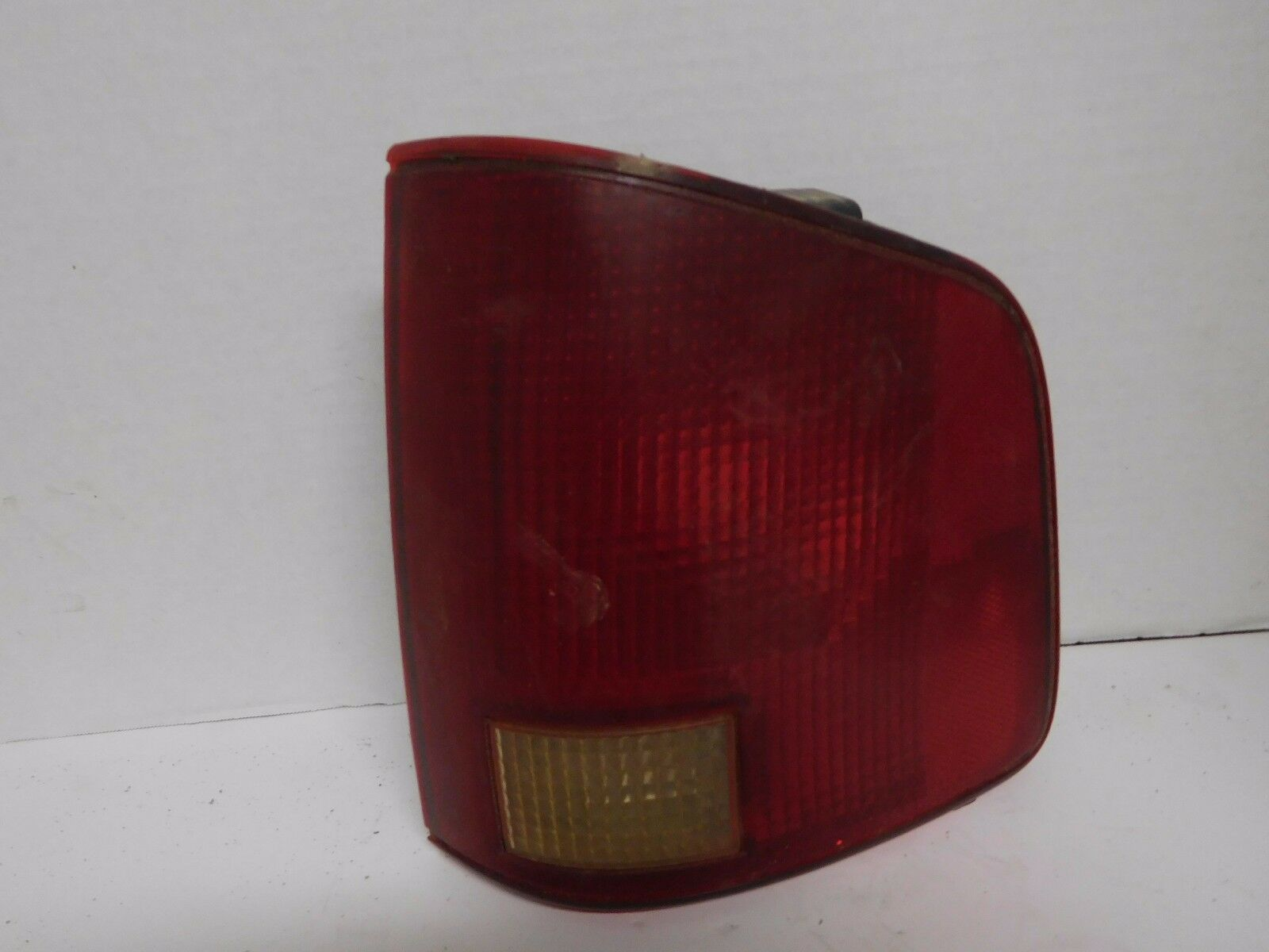 1994 - 2000 2001 2002 2003 CHEVROLET S10 / GMC SONOMA RH TAIL LIGHT OEM A0406