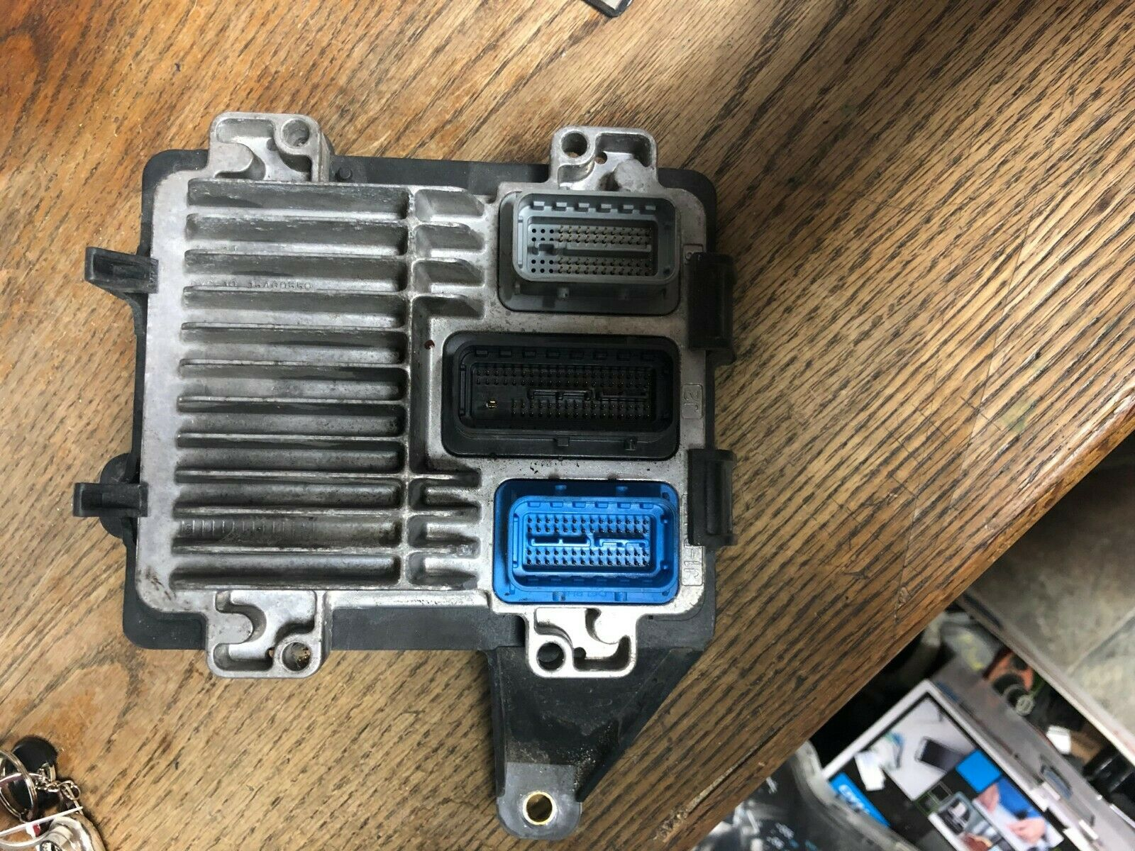 CHEVROLET H3 ENGINE COMPUTER MODULE ECU ECM W/ BRACKET 12602010 15200881 OEM