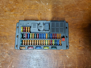 02 03 04 05 06 BMW Mini Cooper S Interior Fuse Relay Box Cabin 6906626 R50 R53