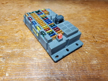 Load image into Gallery viewer, 02 03 04 05 06 BMW Mini Cooper S Interior Fuse Relay Box Cabin 6906626 R50 R53