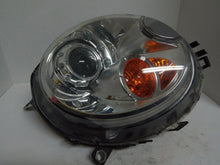 Load image into Gallery viewer, OEM BMW MINI COOPER DRIVERS RIGHT XENON HEADLIGHT LAMP 2007 08 09 10 YELLOW TURN