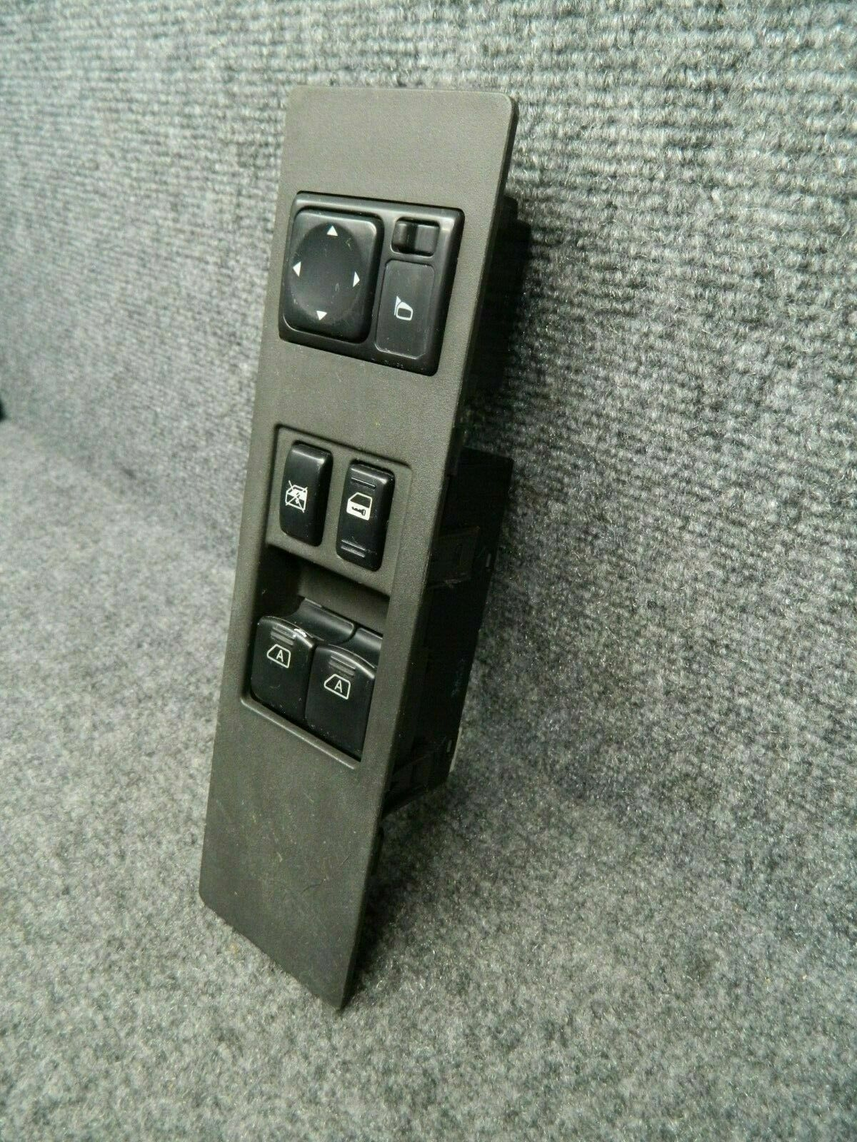 2004 2005 2006 2007 NISSAN TITAN  Driver Side Left Master Window Switch