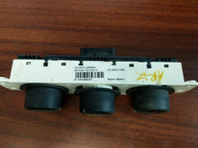 Load image into Gallery viewer, 06 07 08 09 10 HUMMER H3 AC HEATER CLIMATE TEMPERATURE CONTROL 15912988 OEM
