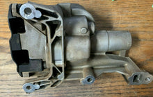 Load image into Gallery viewer, 2007-2010 MINI COOPER ENGINE MOTOR OIL PUMP UNIT R55 R56 R57 OEM 757601280