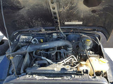 Load image into Gallery viewer, Jeep Grand Cherokee Wrangler 4.0L Engine 99 00 01 02 03 04 05 06 116K Miles OEM