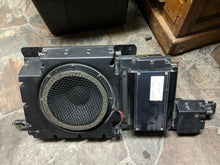 Load image into Gallery viewer, Rear Left Radio Receiver Amplifier & Speaker Box 15086821 OEM Hummer H3 2006-10