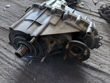 Load image into Gallery viewer, 06-10 Hummer H3 3.5L 3.7L AWD Transfer Case OEM Tested w/ 90 day Warranty