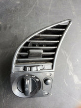 Load image into Gallery viewer, 1996 BMW 3-SERIES  DRIVER FRONT AC VENT W/ HEAD & FOG LIGHT CONTROL KNOB AIR