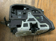 Load image into Gallery viewer, BMW OEM E60 E63 E90 E70 F10 F30 FRONT RIGHT PASSENGER DOOR LOCK LATCH ACTUATOR