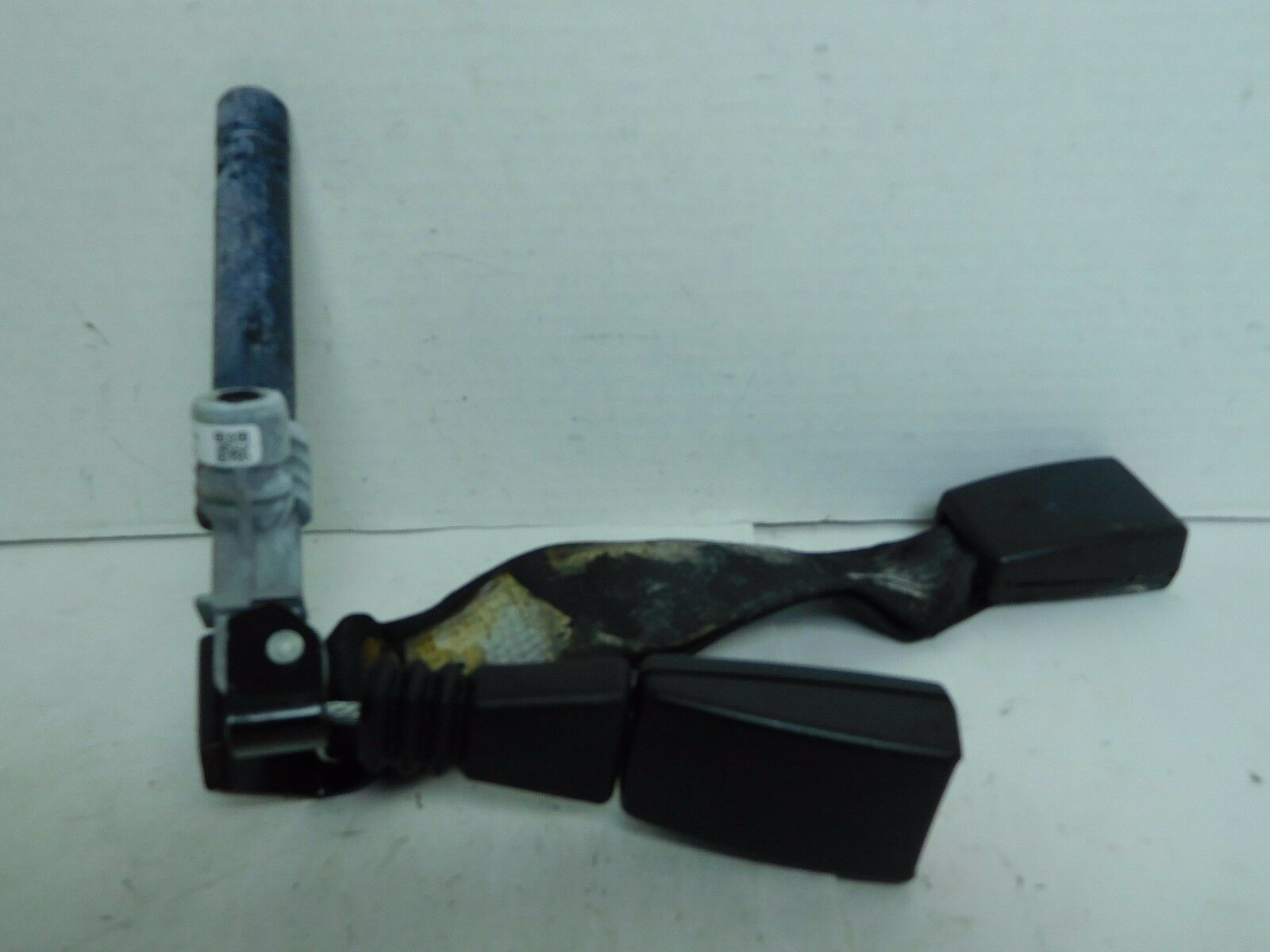 06 07 08 BMW 325i E90 3 Series Rear Right Seat Belt Buckle Tensioner OEM