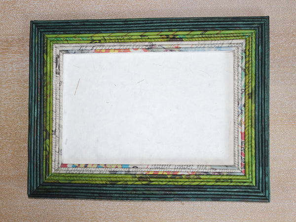 Newspaper picture frames - Large; 8 colours