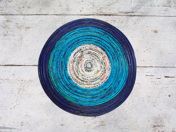 Newspaper table mat - Round, small - 4 colours