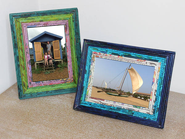 Newspaper picture frames - regular; 6 colours