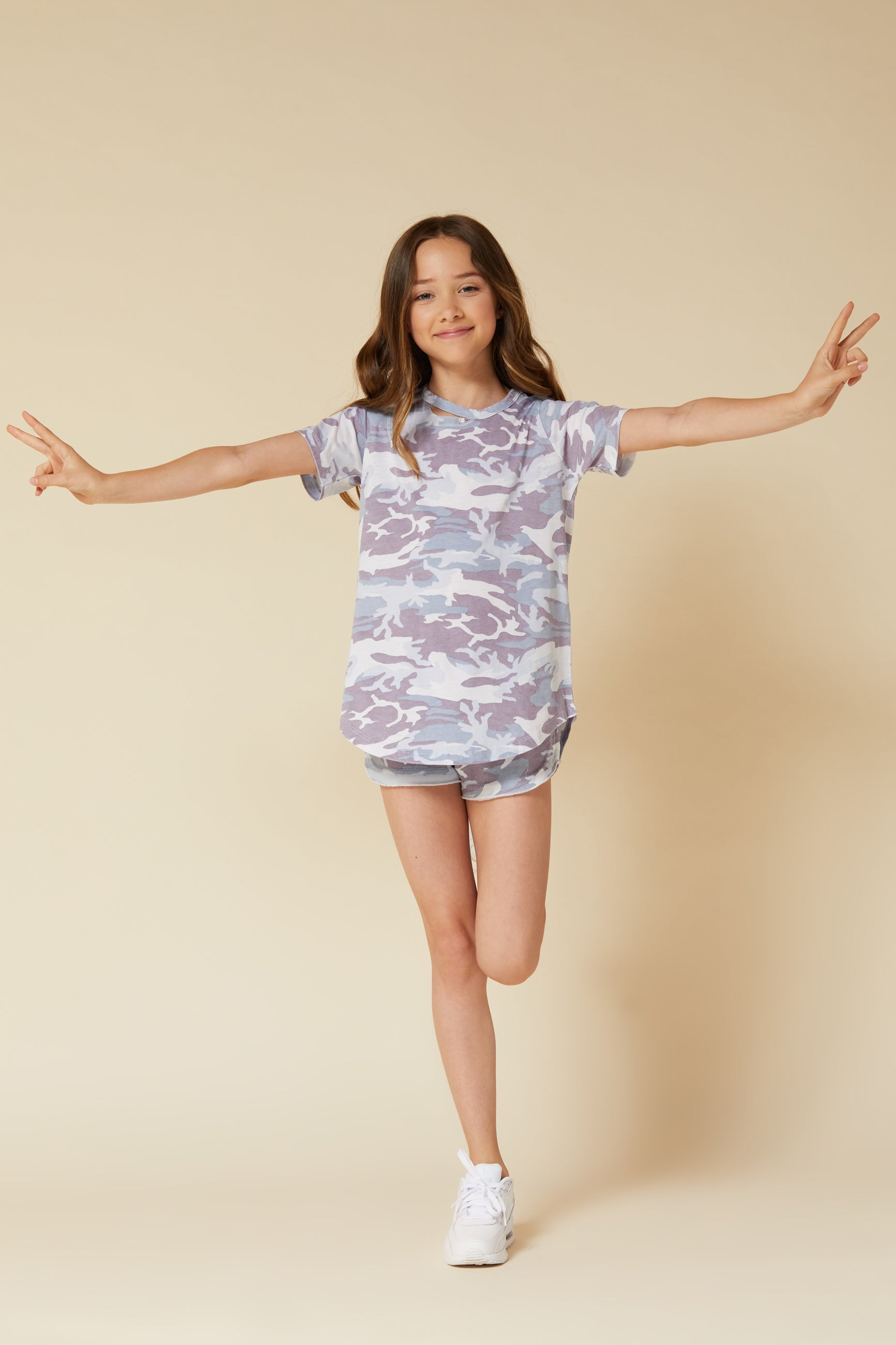 SOFT PURPLE CAMO SLASH NECK TEE