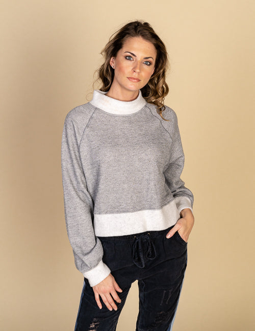 Boxy Crop Reverse Basic Sweater