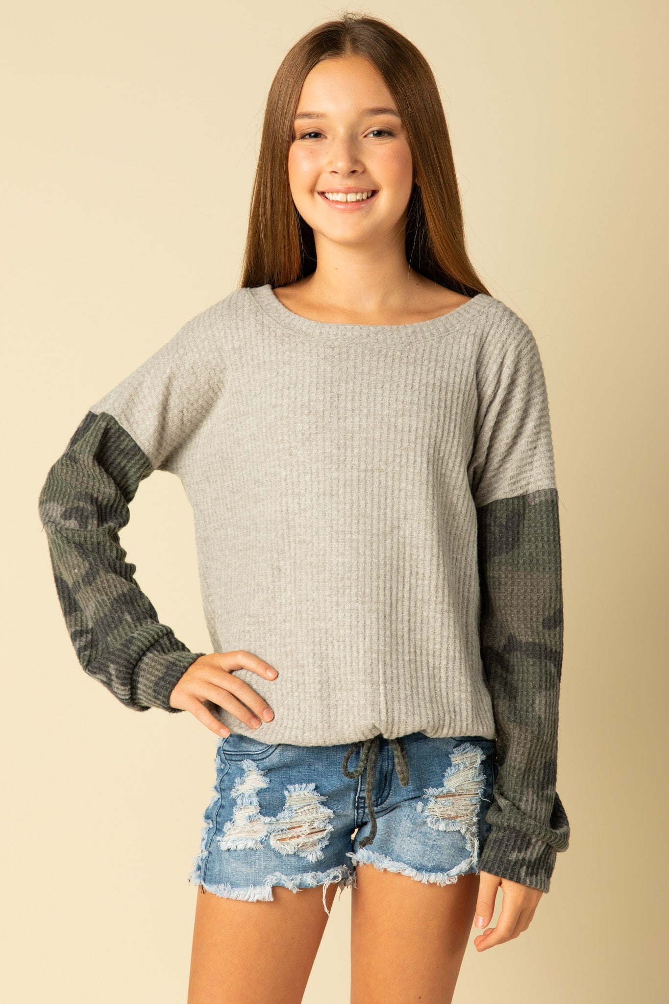 WAFFLE SWEATER WITH CAMO SLEEVES