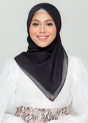 YES DEFECT: Bawal Babe in Pitch Black