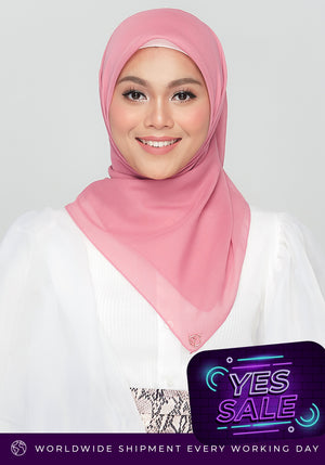 Bawal Babe in British Rose