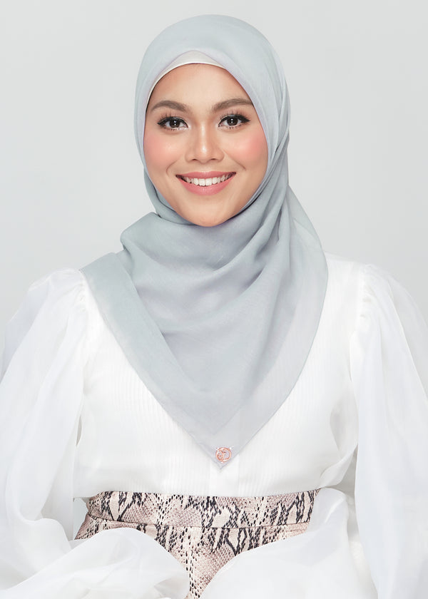 Bawal Babe in Chalk Grey